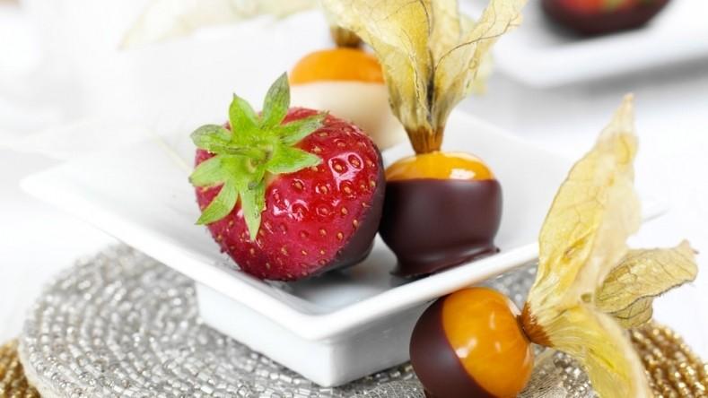 bagas de Physalis em chocolate